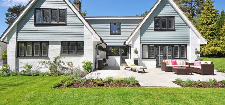 Dlaczego większość domów ma dachy w kolorze szarym?